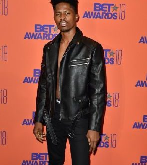 I want to sell out stadiums and arenas – Kwesi Arthur