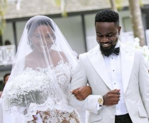 Sarkodie's wife tells the story behind their hanging wedding cake