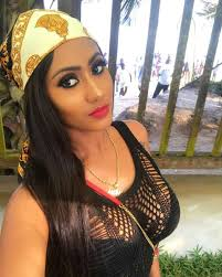 Slay Queen Hajia4Real Causes Confusion With Her Slow-Sexy Dance Moves & She Flaunts Those Hips (Video)