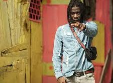 My life was threatened after dissing Stonebwoy – Kumi Guitar