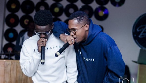 Ko-jo Cue and shaker perform at Lauryn Hill's SA concert