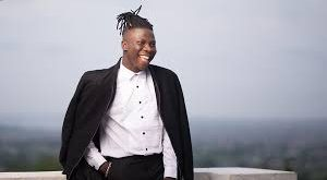 Max Tv awarded Stonebwoy in honour of Kpok3k3 topping the video chart for 4 solid weeks