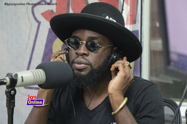 Don't praise me by attacking other people – M.anifest