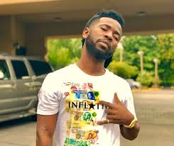 Is Bisa Kdei dating eShun?