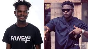 Medikal gifts Fameye Ghs1000 after he featured on his 'Nothing I get remix '