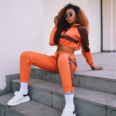 "Freda Rhymz replies Sista Afia's threat and calls her an ""OLD WOMAN"""